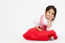 Dirndl, österreichische Tracht, Kind in Tracht